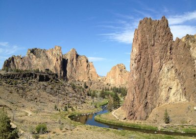 1280px-Smith_Rock_State_Park_by_Carley_Luehrs_(8272127049)